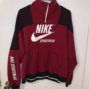 Women's Nike sweatshirt